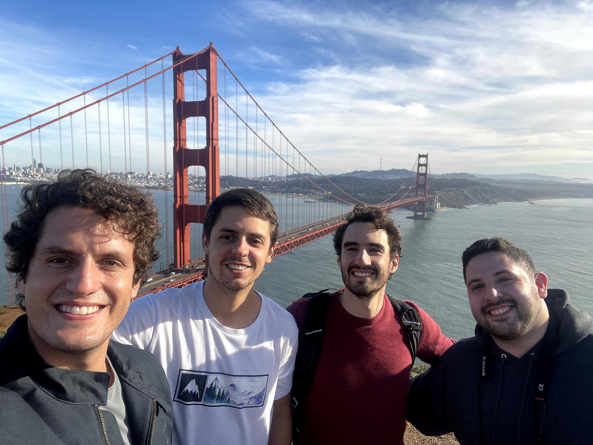 Trabajando juntos desde San Francisco, CA 😬